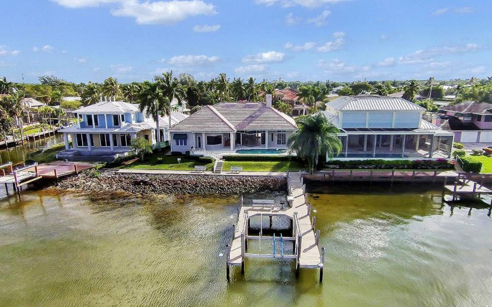 1521 Dolphin Ln, Naples - House For Sale 1056285658