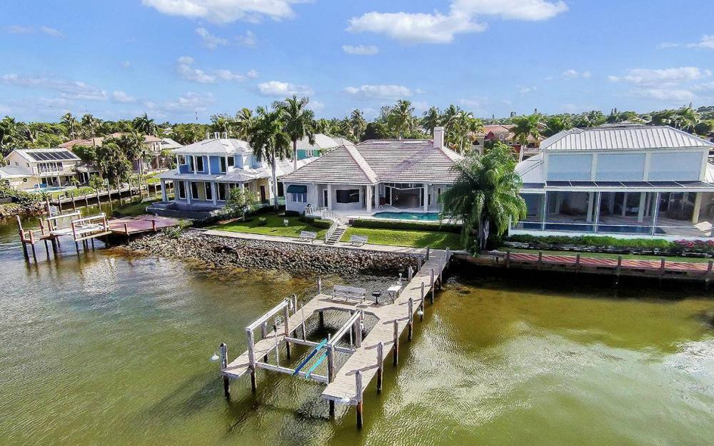 1521 Dolphin Ln, Naples - House For Sale 1075451002
