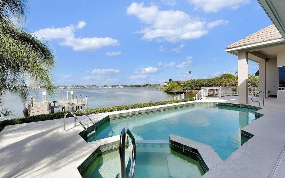 1521 Dolphin Ln, Naples - House For Sale 2024405426