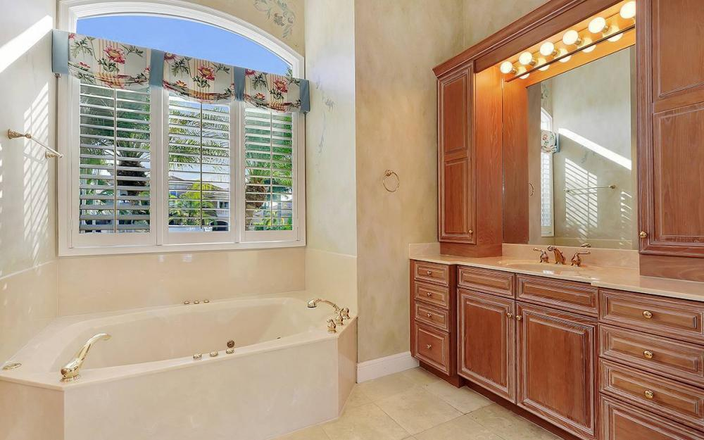 1521 Dolphin Ln, Naples - House For Sale 1562824879