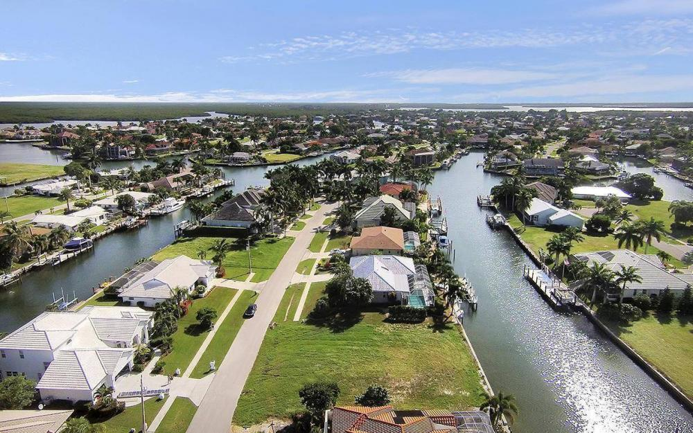 250 Rockhill Ct, Marco Island - Lot For Sale 136599780