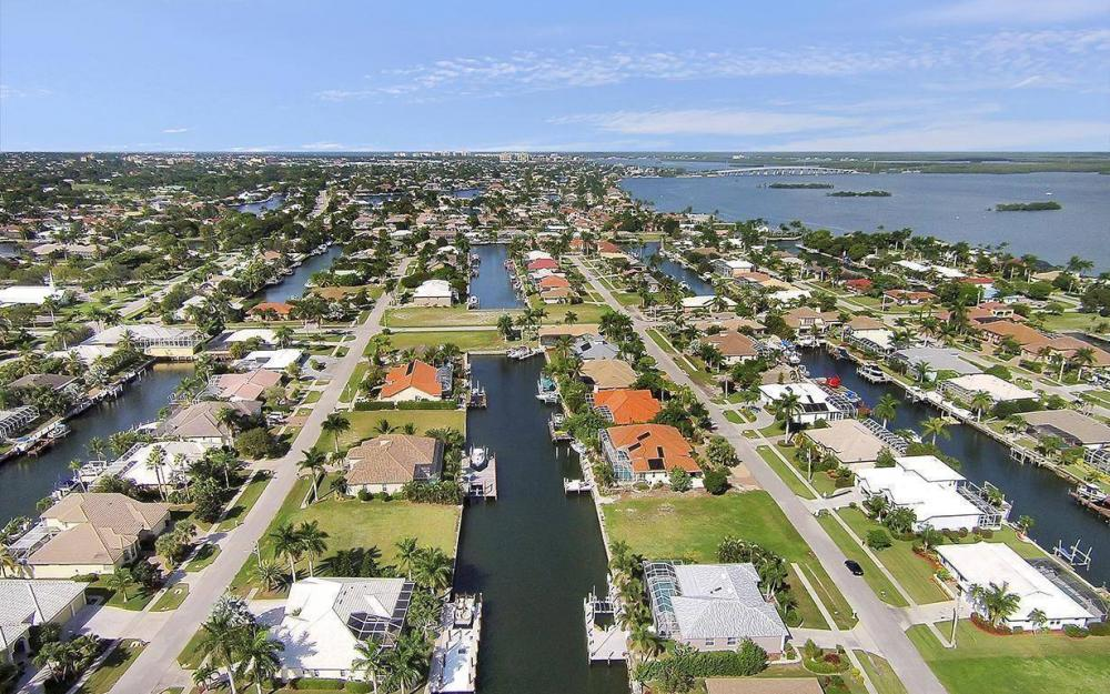 250 Rockhill Ct, Marco Island - Lot For Sale 1893334729