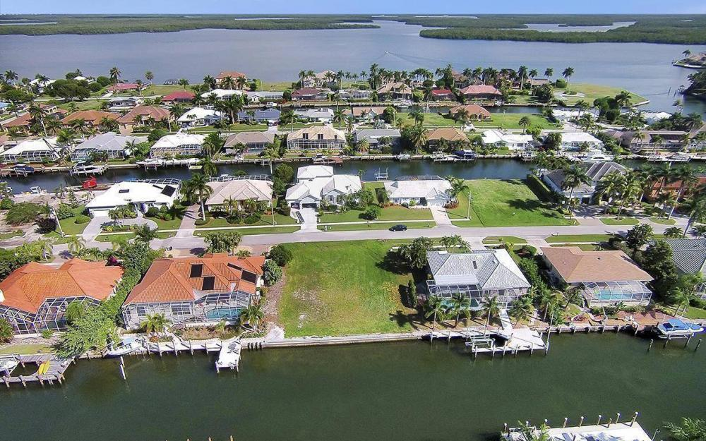 250 Rockhill Ct, Marco Island - Lot For Sale 526295211