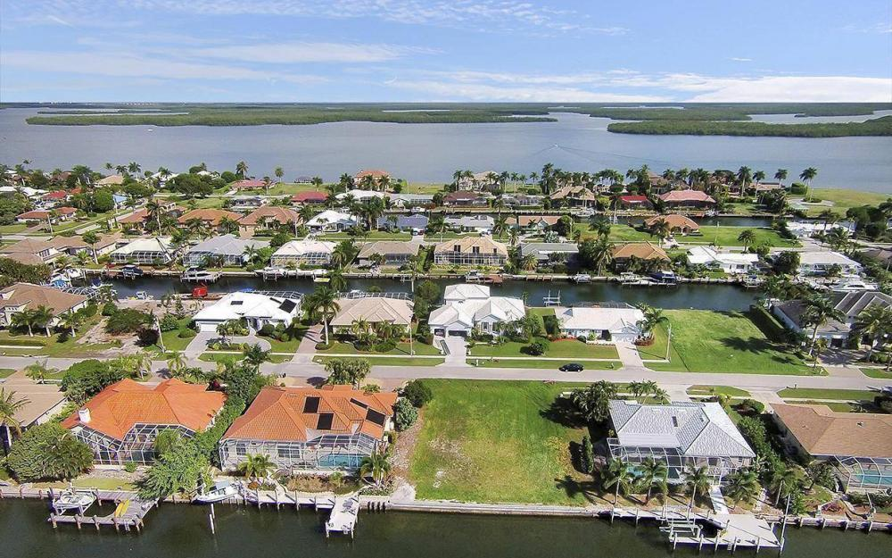 250 Rockhill Ct, Marco Island - Lot For Sale 641081529