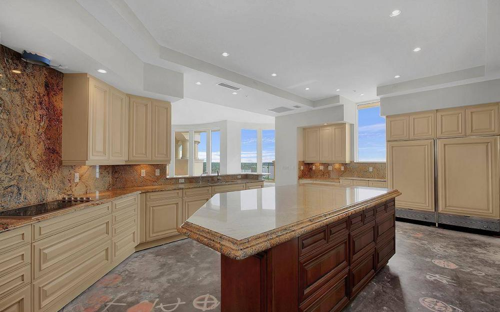 970 Cape Marco Dr #GPH 2504, Marco Island - Penthouse For Sale 417617437