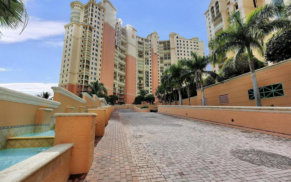 970 Cape Marco Dr #GPH 2504, Marco Island - Penthouse For Sale 743174054