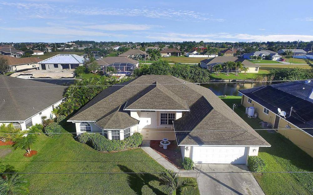 2105 SW 29th Ter, Cape Coral - House For Sale 202933340