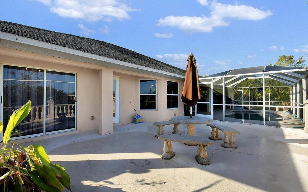 2105 SW 29th Ter, Cape Coral - House For Sale 205359786