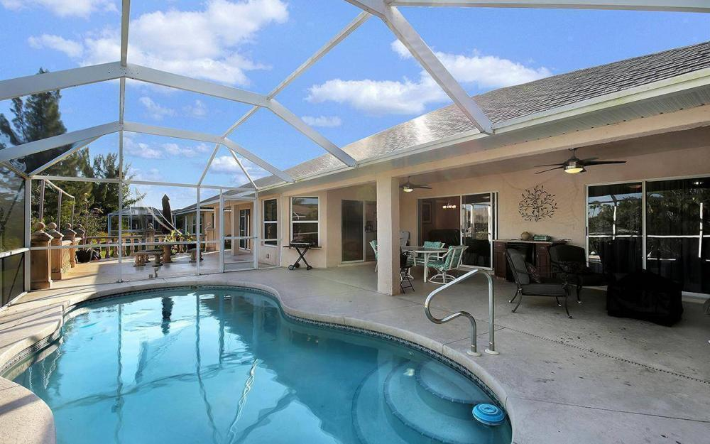 2105 SW 29th Ter, Cape Coral - House For Sale 1373590593