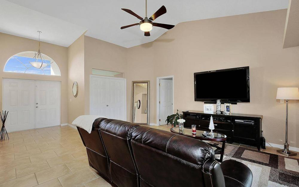 2105 SW 29th Ter, Cape Coral - House For Sale 337322458