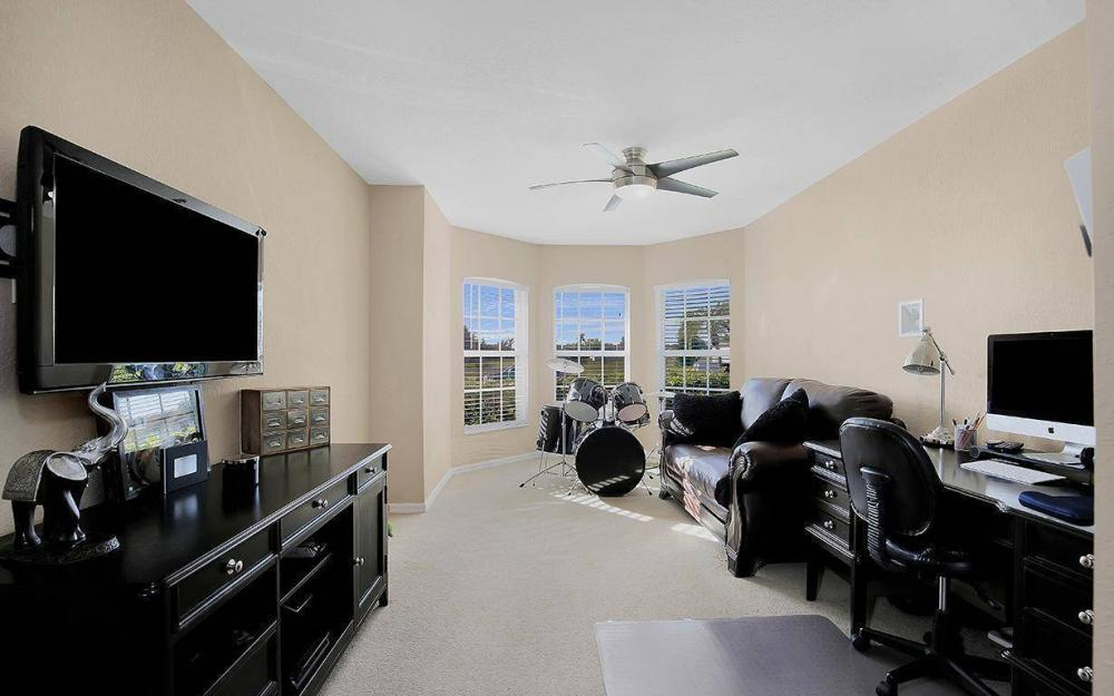 2105 SW 29th Ter, Cape Coral - House For Sale 1873795768