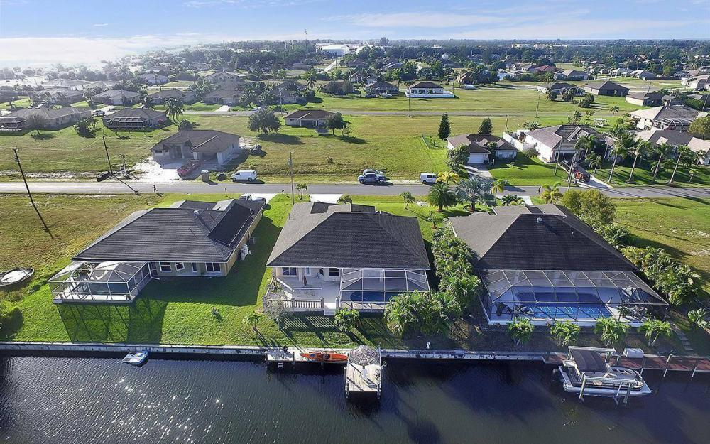 2105 SW 29th Ter, Cape Coral - House For Sale 1341228795