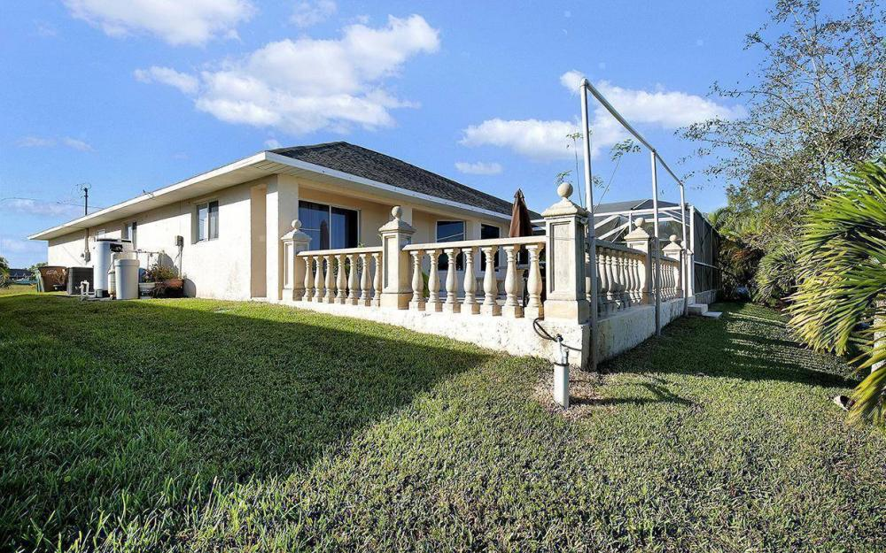 2105 SW 29th Ter, Cape Coral - House For Sale 443920231