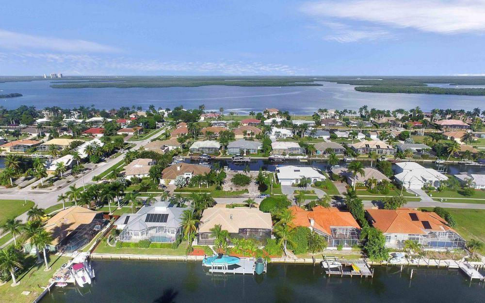 276 Rockhill Ct, Marco Island - House For Sale 341996909