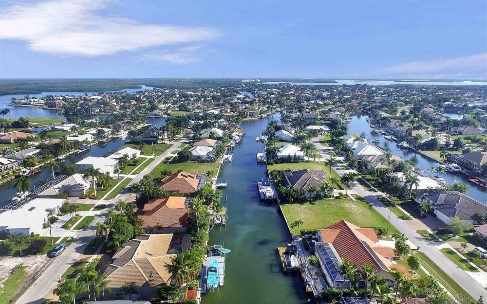 276 Rockhill Ct, Marco Island - House For Sale 1876495368