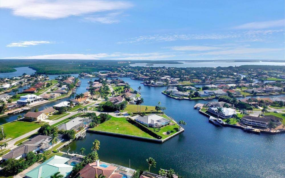182 Coral Ct, Marco Island - Lot For Sale 1082020308
