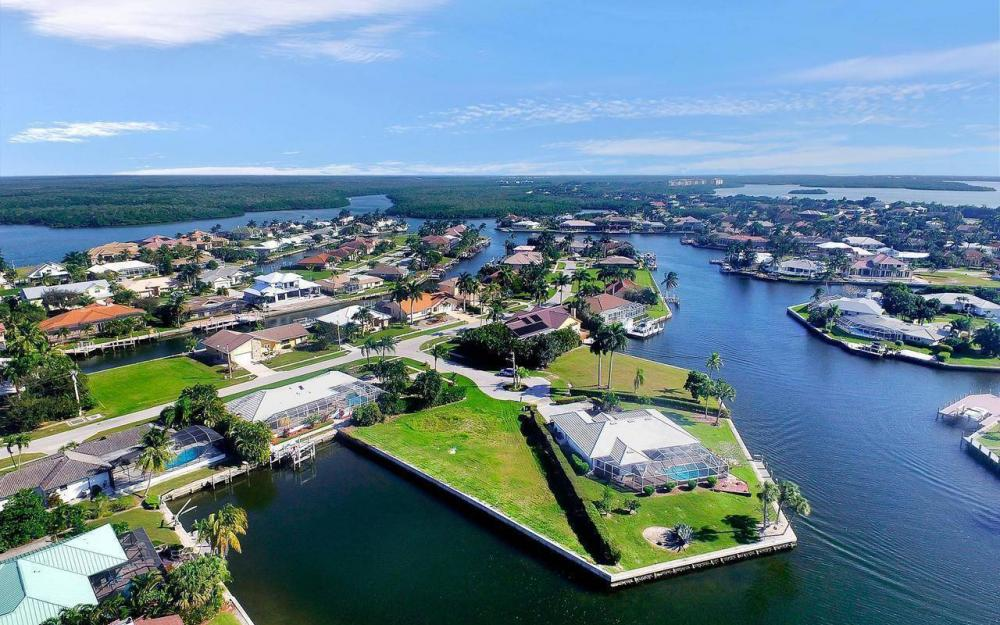 182 Coral Ct, Marco Island - Lot For Sale 428212482