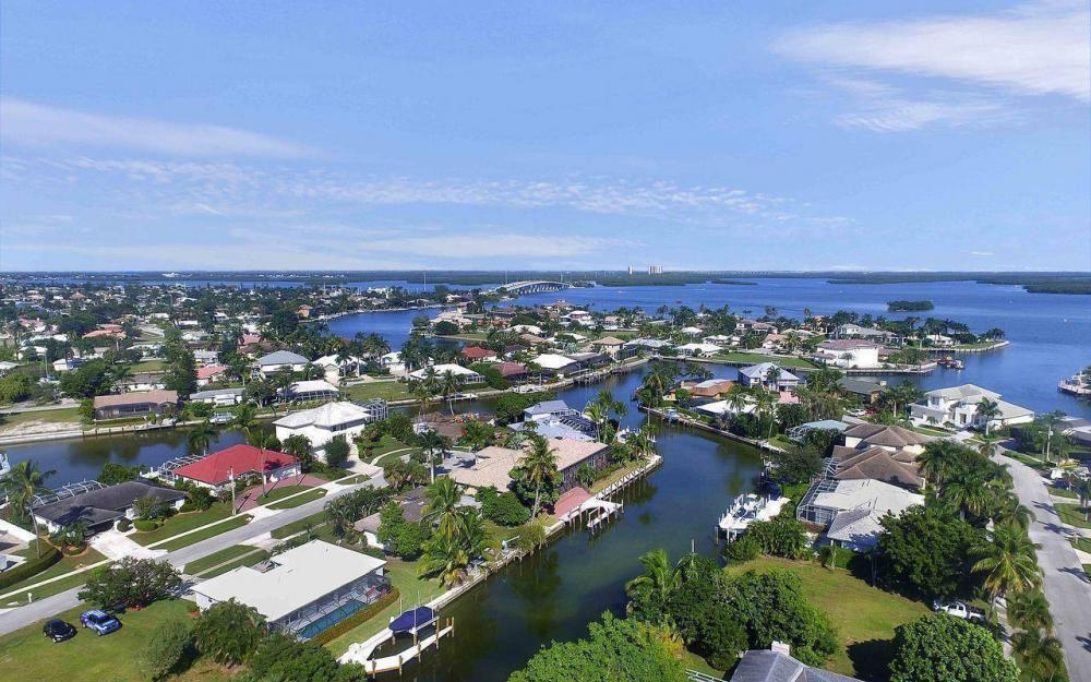 577 Tripoli Ct, Marco Island - House For Sale 208852334