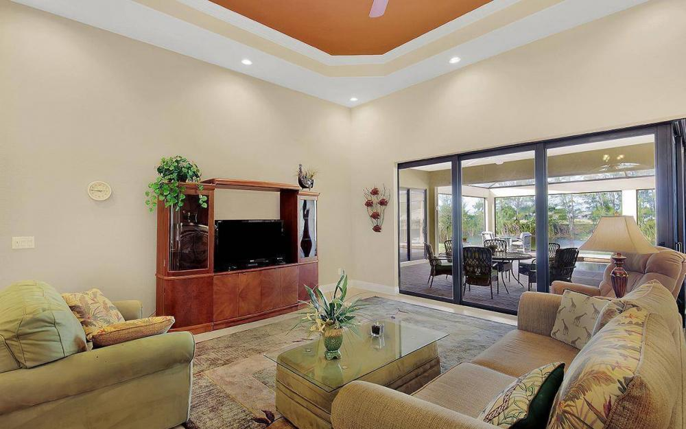 233 SW 21st St, Cape Coral - House For Sale 225458686