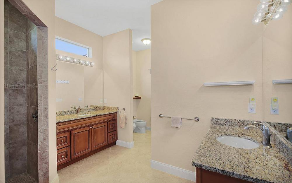233 SW 21st St, Cape Coral - House For Sale 852751996