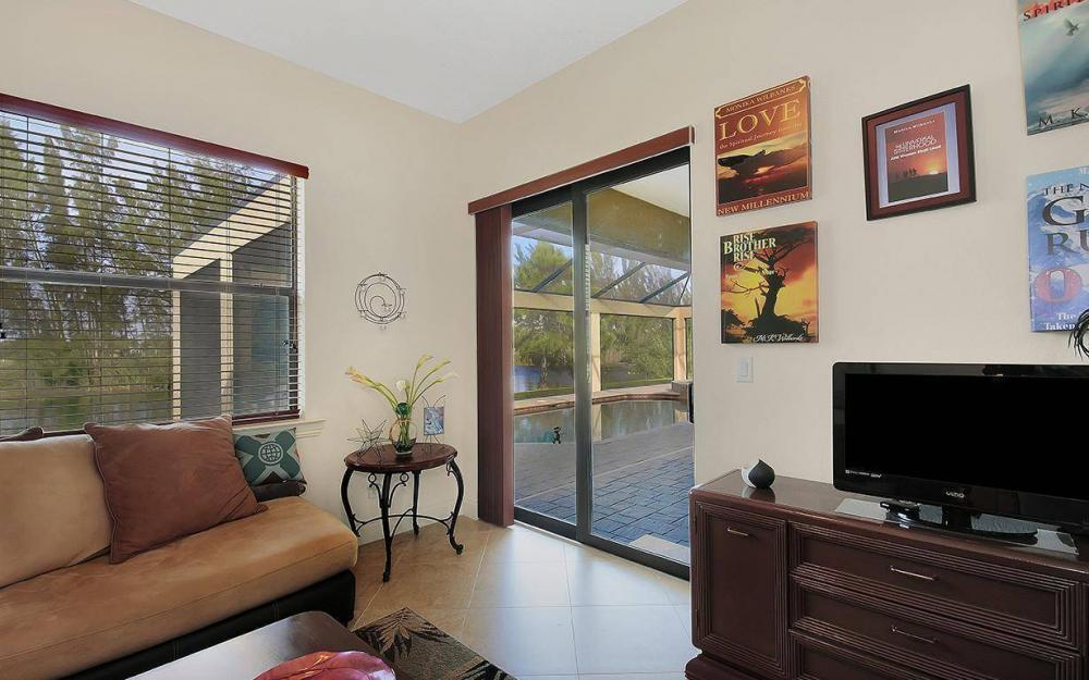 233 SW 21st St, Cape Coral - House For Sale 390853396