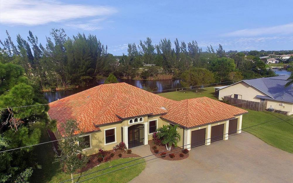 233 SW 21st St, Cape Coral - House For Sale 689049535