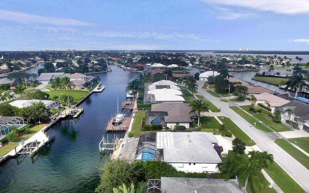212 Angler Ct, Marco Island - House For Sale 1150540674