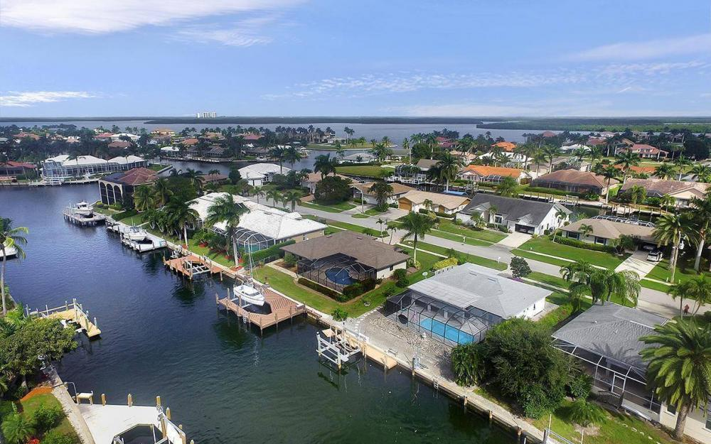 212 Angler Ct, Marco Island - House For Sale 1013917670