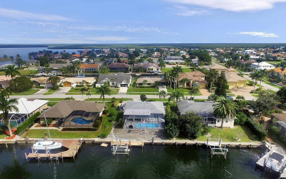 212 Angler Ct, Marco Island - House For Sale 571101493