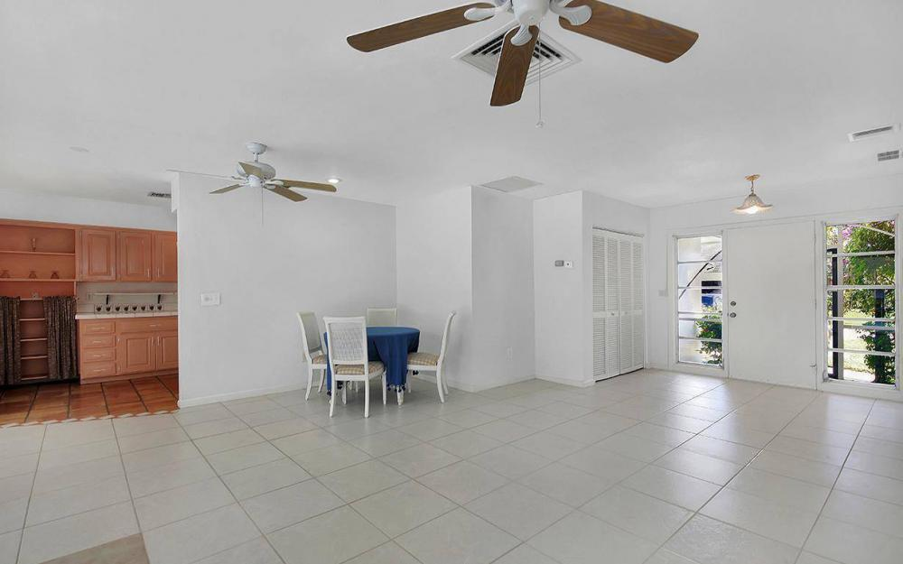 212 Angler Ct, Marco Island - House For Sale 1994144718