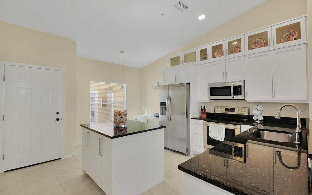 9300 Highland Woods Blvd #3310, Bonita Springs - Condo For Sale 2051586399