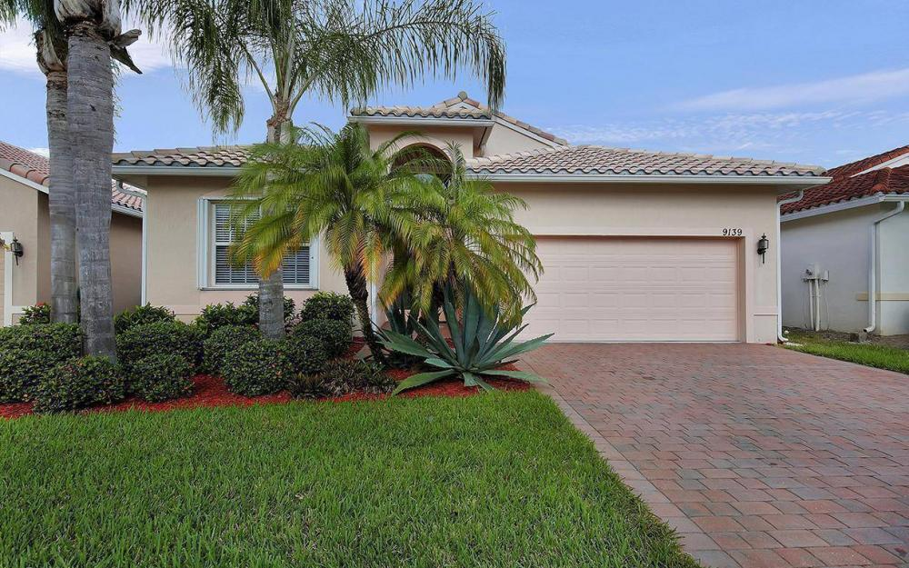 9139 Springview Loop, Estero - House For Sale 221177888