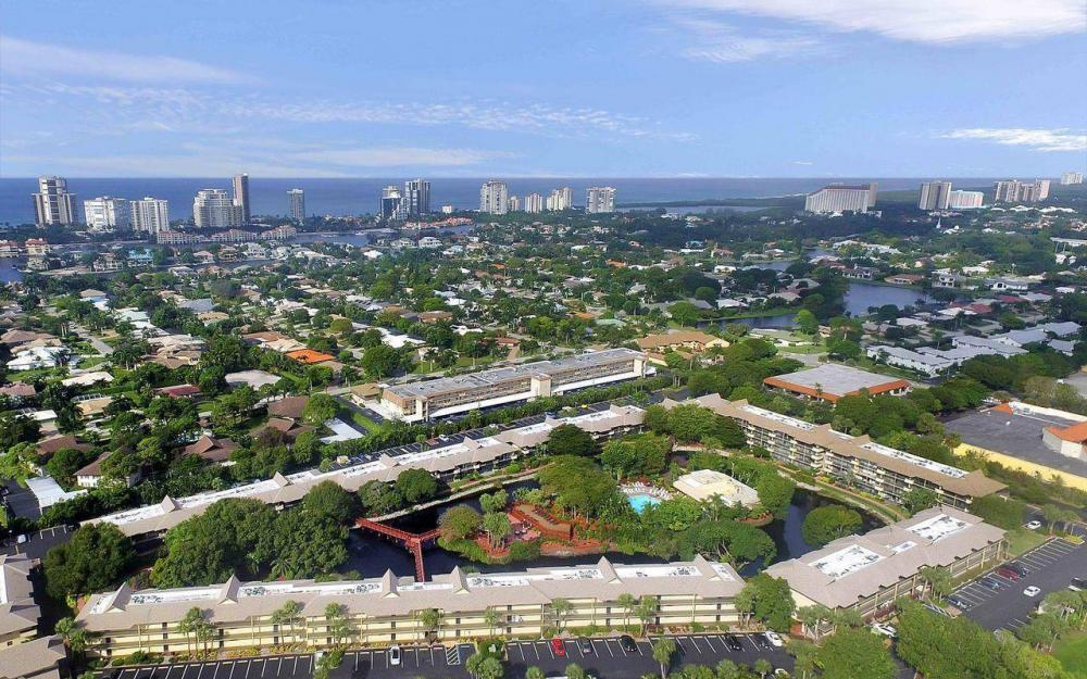 600 Neapolitan Way #202, Naples - Condo For Rent 654345192