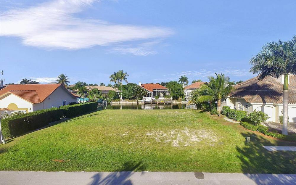 263 Grapewood Ct, Marco Island - Lot For Sale 639673758