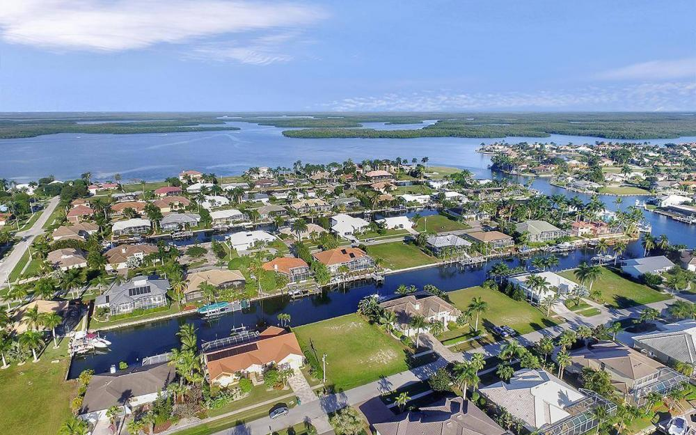 263 Grapewood Ct, Marco Island - Lot For Sale 1341883725