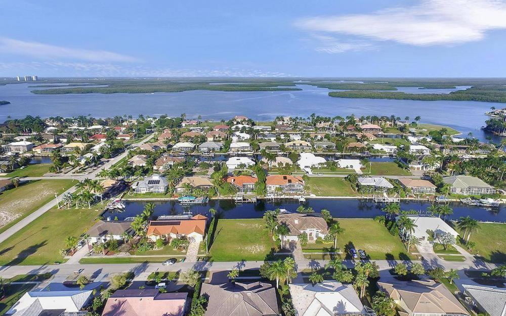 263 Grapewood Ct, Marco Island - Lot For Sale 29192137