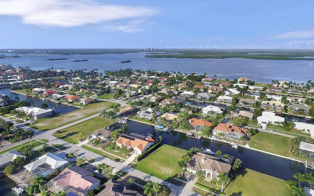 263 Grapewood Ct, Marco Island - Lot For Sale 1000185203