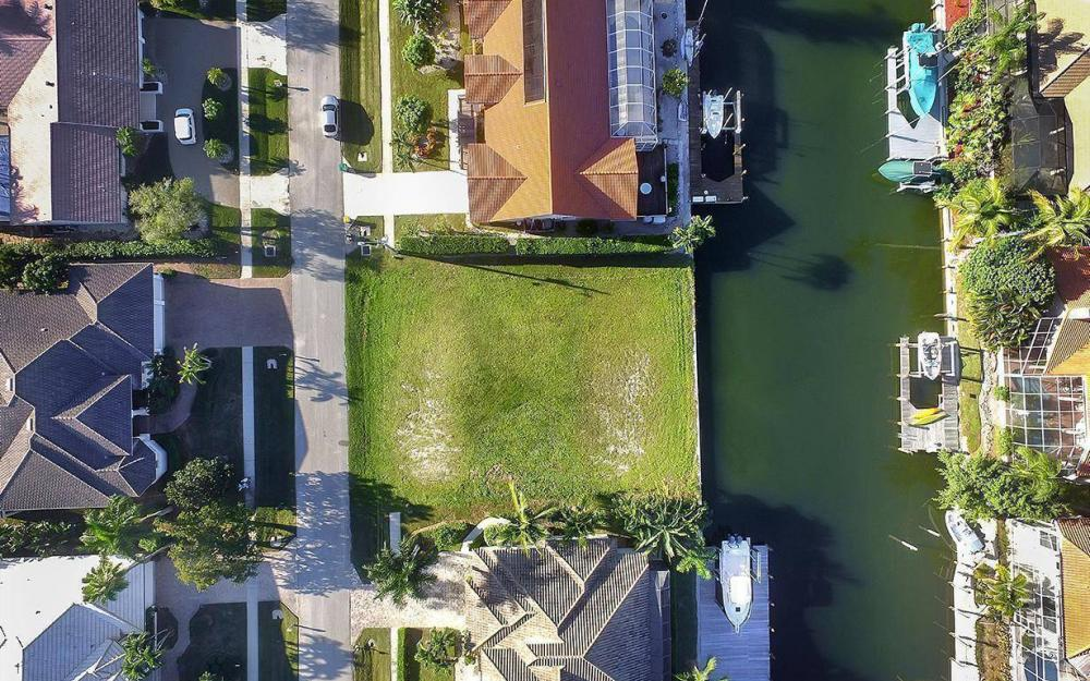 263 Grapewood Ct, Marco Island - Lot For Sale 696137939