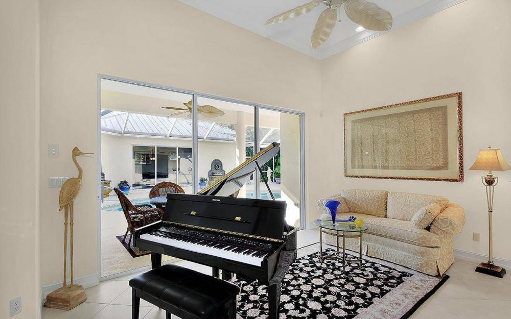 3560 1st Ave NW, Naples - House For Sale 604212931