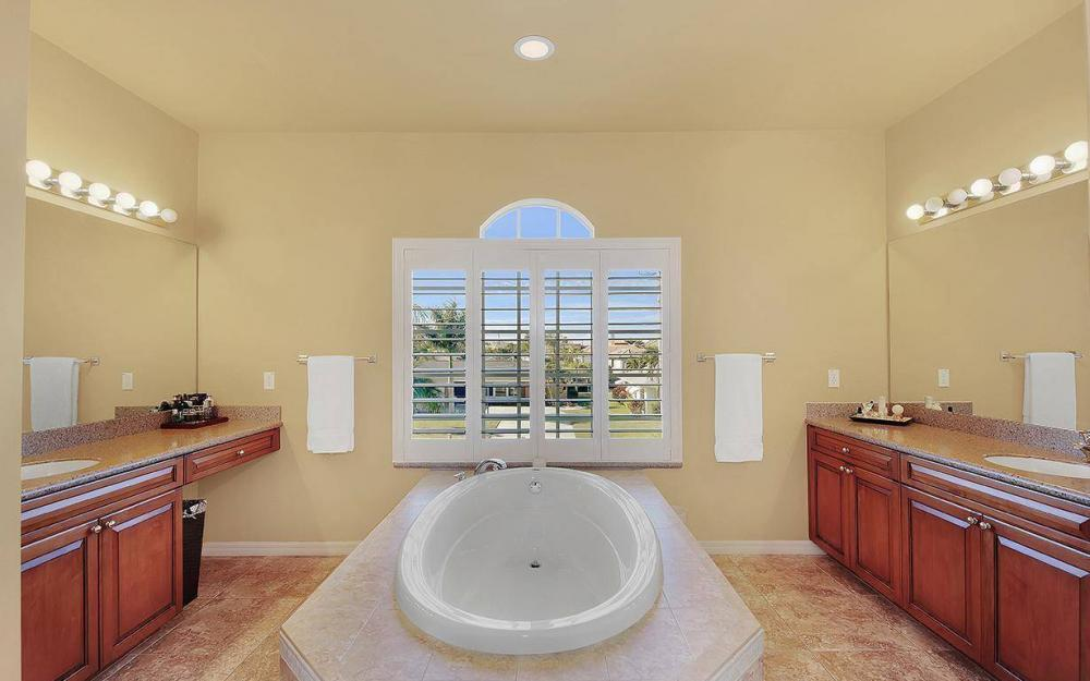 5221 Seagull Ct, Cape Coral - House For Sale 1110216190
