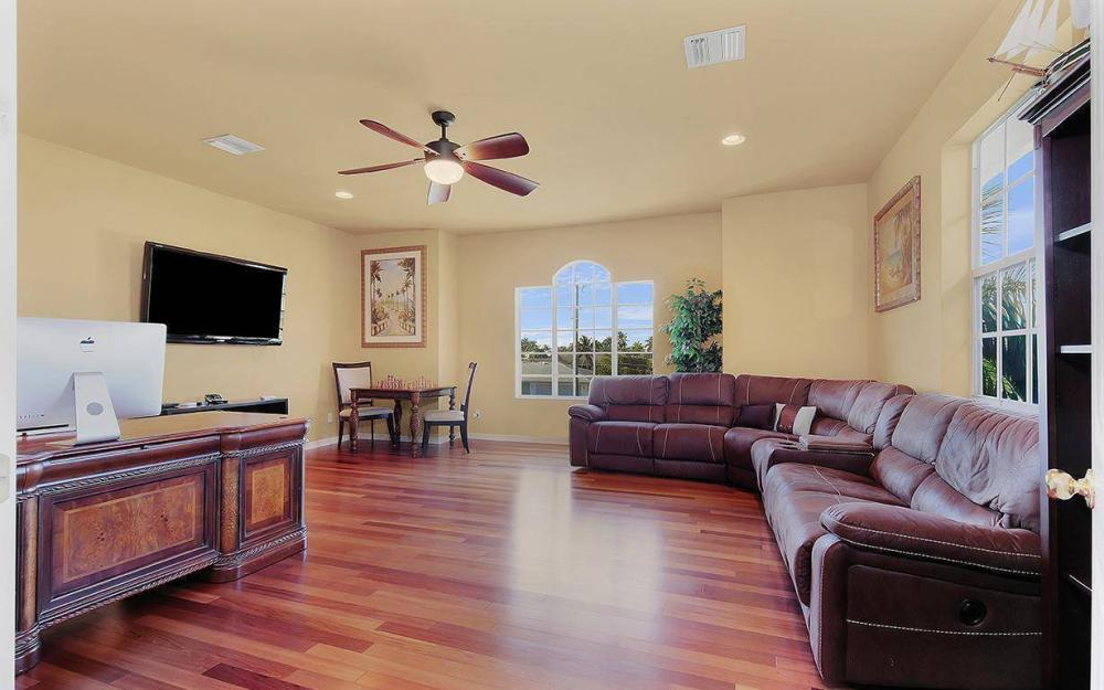 5221 Seagull Ct, Cape Coral - House For Sale 36823906