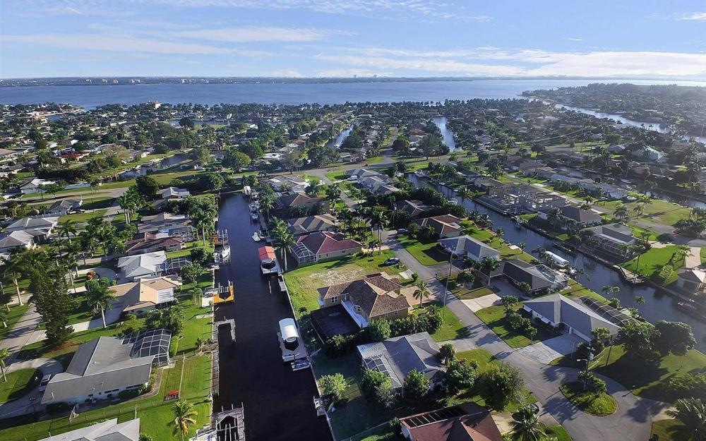 5221 Seagull Ct, Cape Coral - House For Sale 251889091
