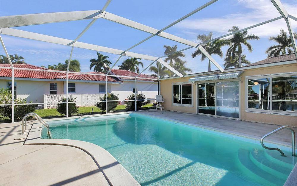 119 Bayshore Dr, Cape Coral - House For Sale 848232534