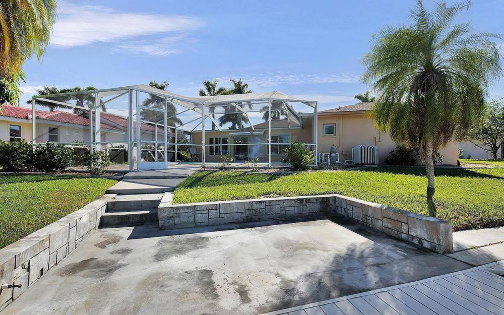 119 Bayshore Dr, Cape Coral - House For Sale 1445189873