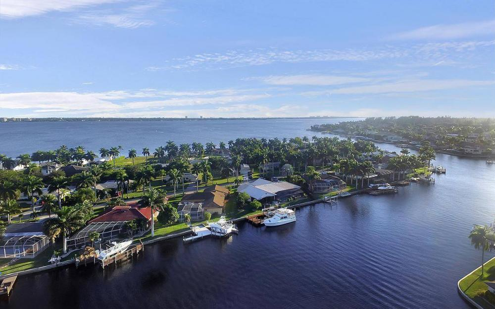 119 Bayshore Dr, Cape Coral - House For Sale 1960740678