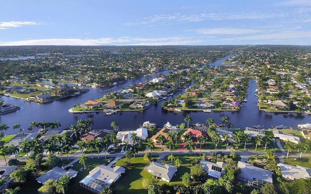 119 Bayshore Dr, Cape Coral - House For Sale 739659869
