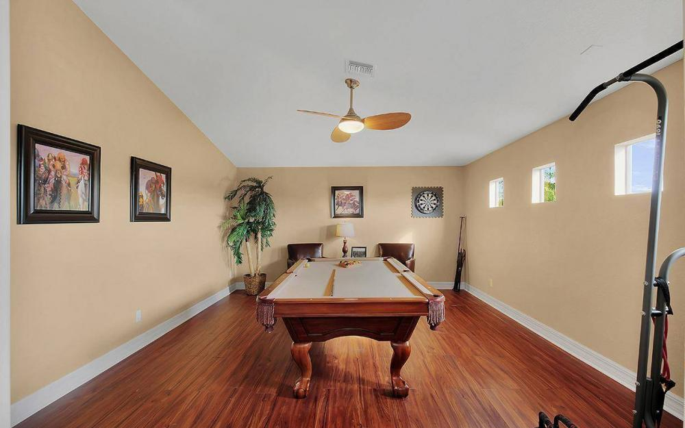 8843 Tropical Ct, Fort Myers - House For Sale 926660408