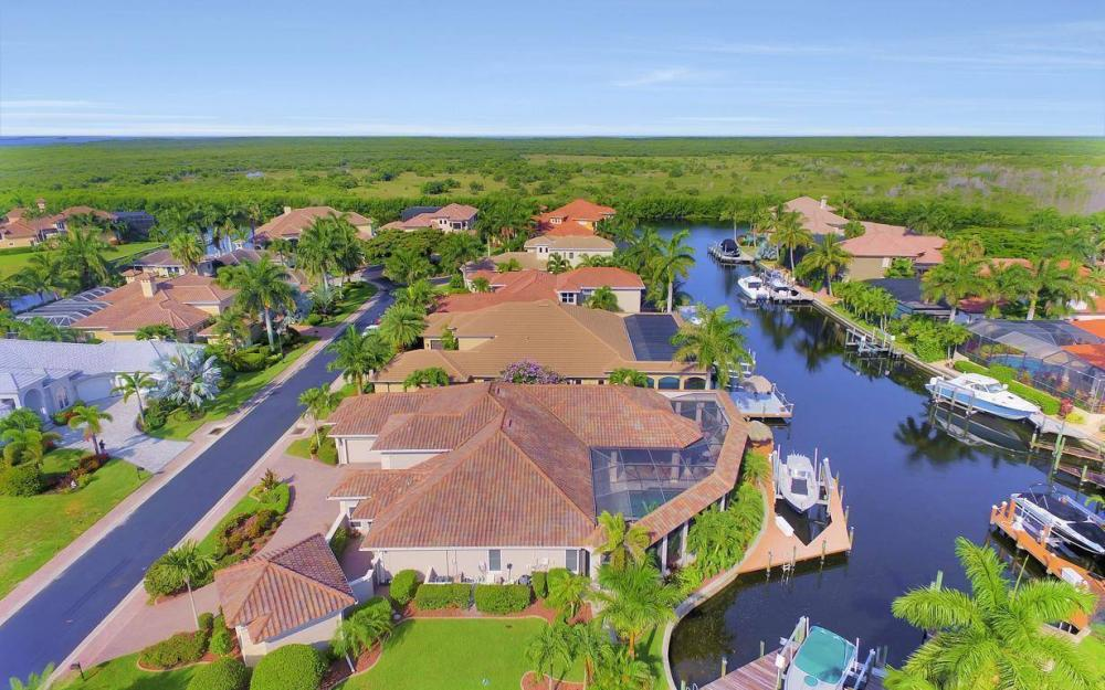 5648 Yardarm Ct, Cape Coral - Estate Home For Sale 86407268