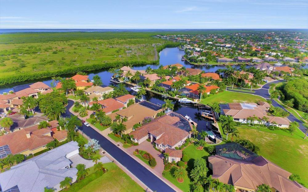 5648 Yardarm Ct, Cape Coral - Estate Home For Sale 1747781784