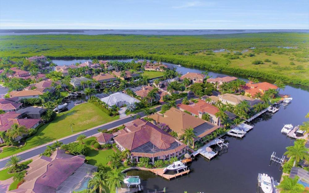 5648 Yardarm Ct, Cape Coral - Estate Home For Sale 804429595